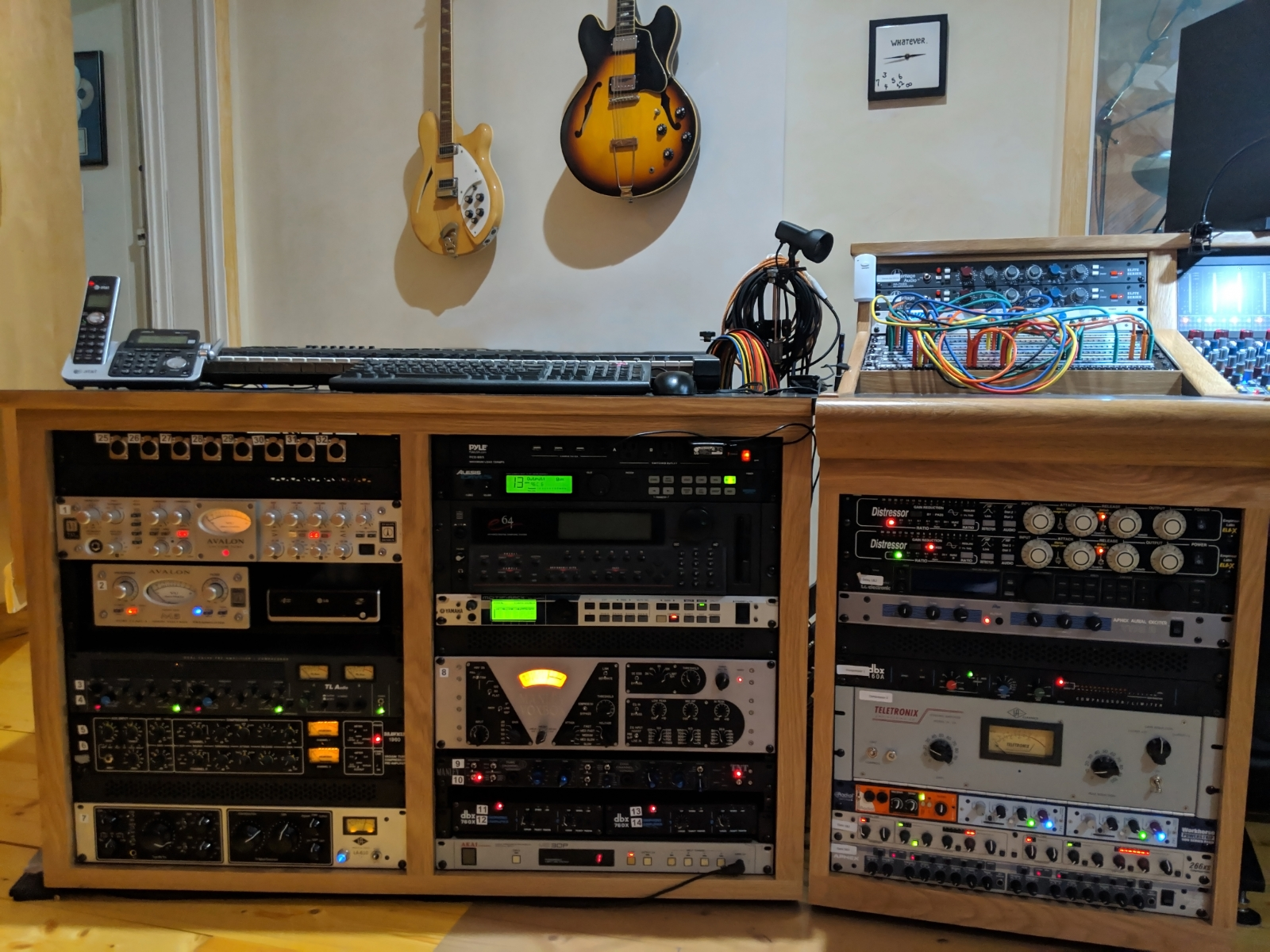 Full complement of outboard gear from Universal Audio, Avalon, Manley, Teletronix, Neve, TL Audio, and more.